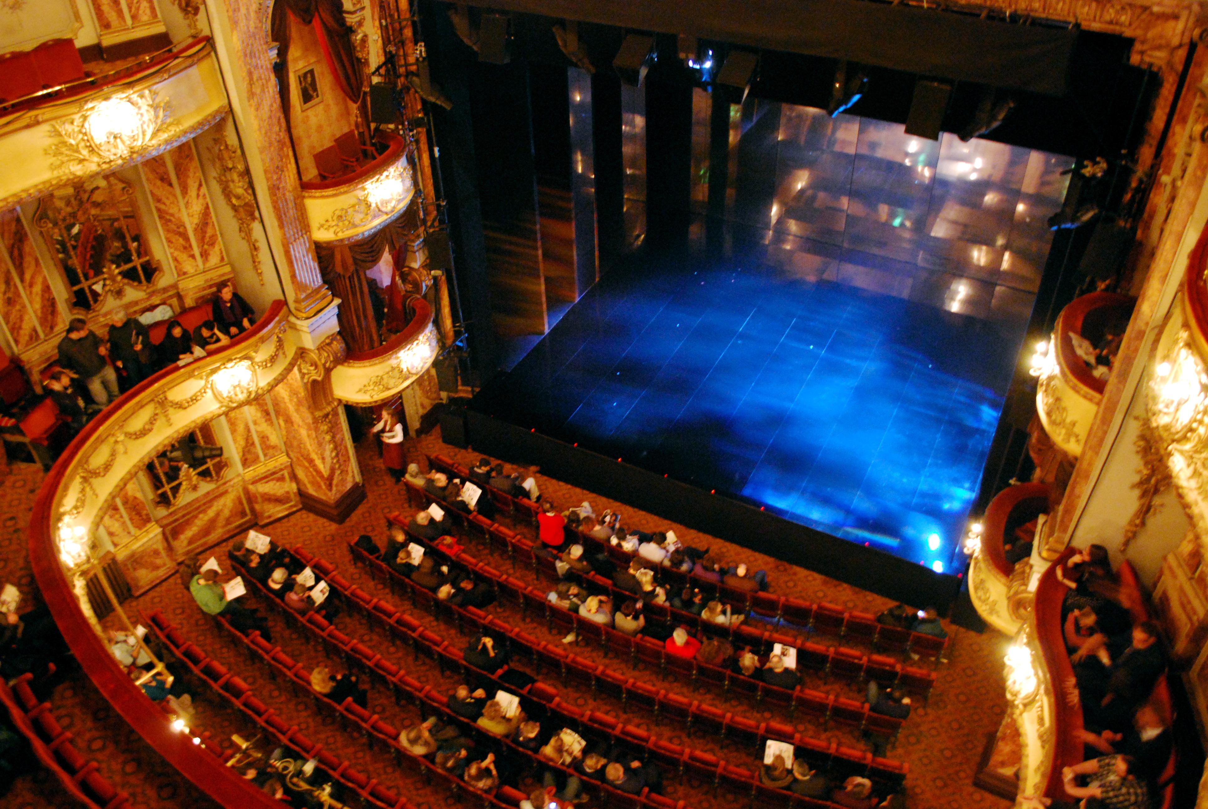 FileNovello Theatre 3152566574