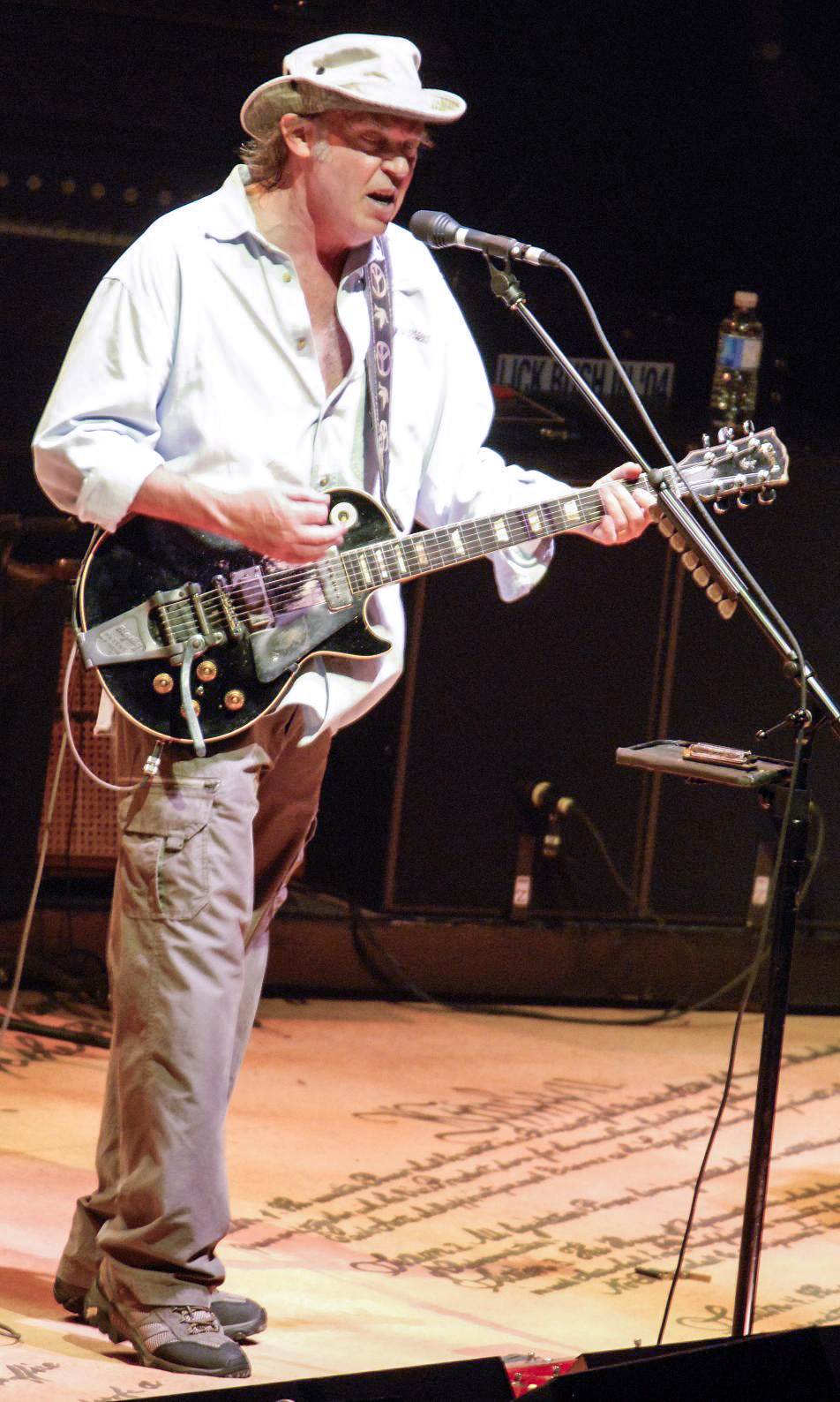 Neil Young durante la gira de CSNY Freedom Of Speech Tour '06.