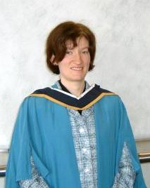 An alternative coloured gown, The Open University, MEd. - Academic dress
