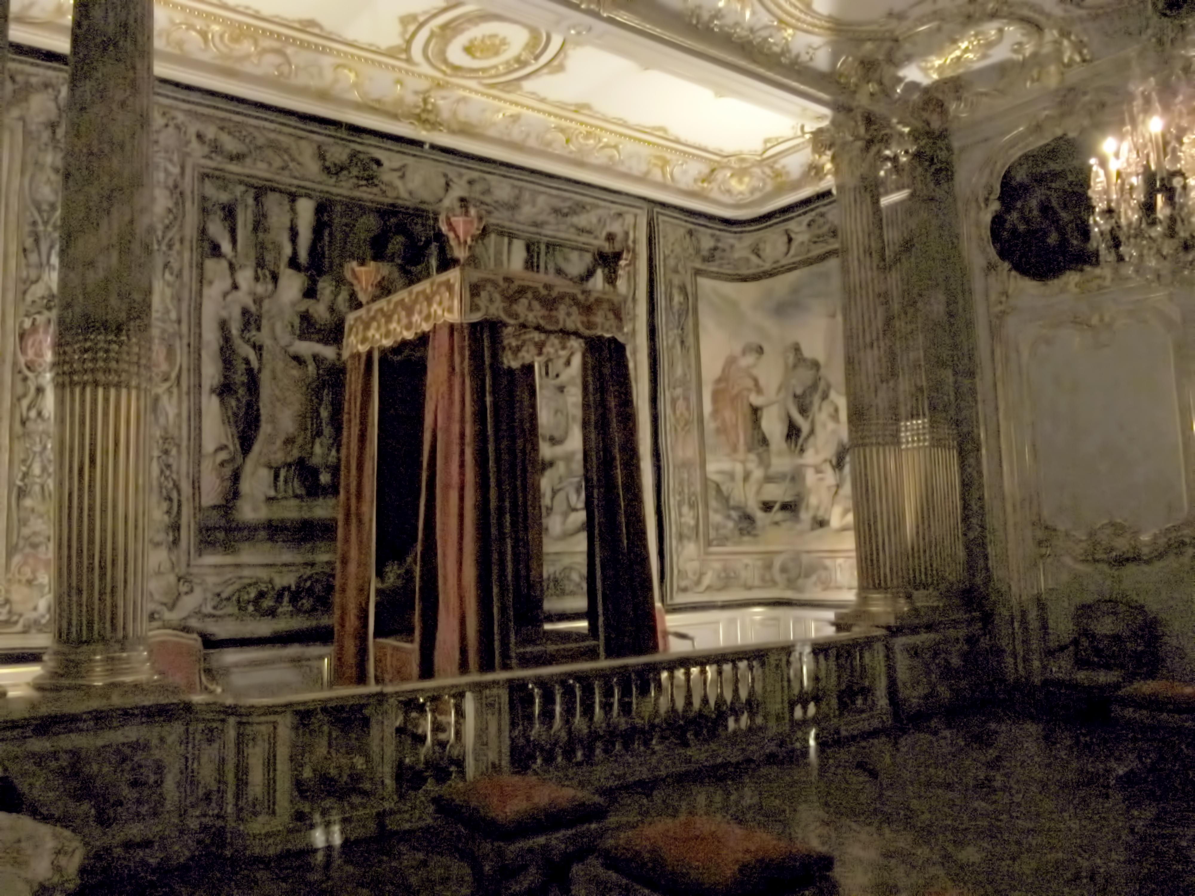 File Palais Rohan Chambre du roi la nuit MJ Wikimedia mons