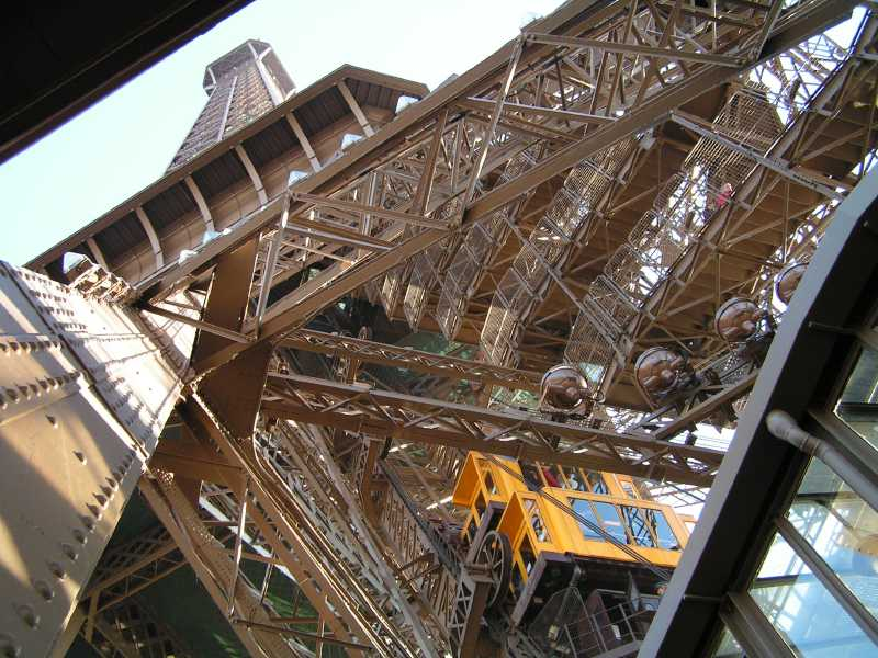 File:Paris Eiffel Tower elevator 2005-01-10.jpg