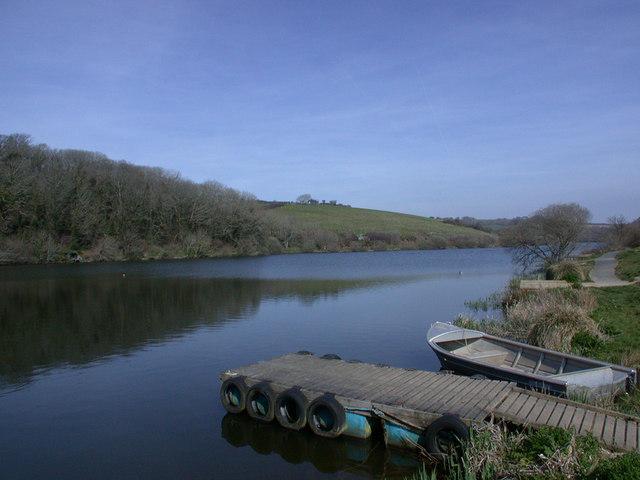 Porth Reservoir. - geograph.org.uk - 390348