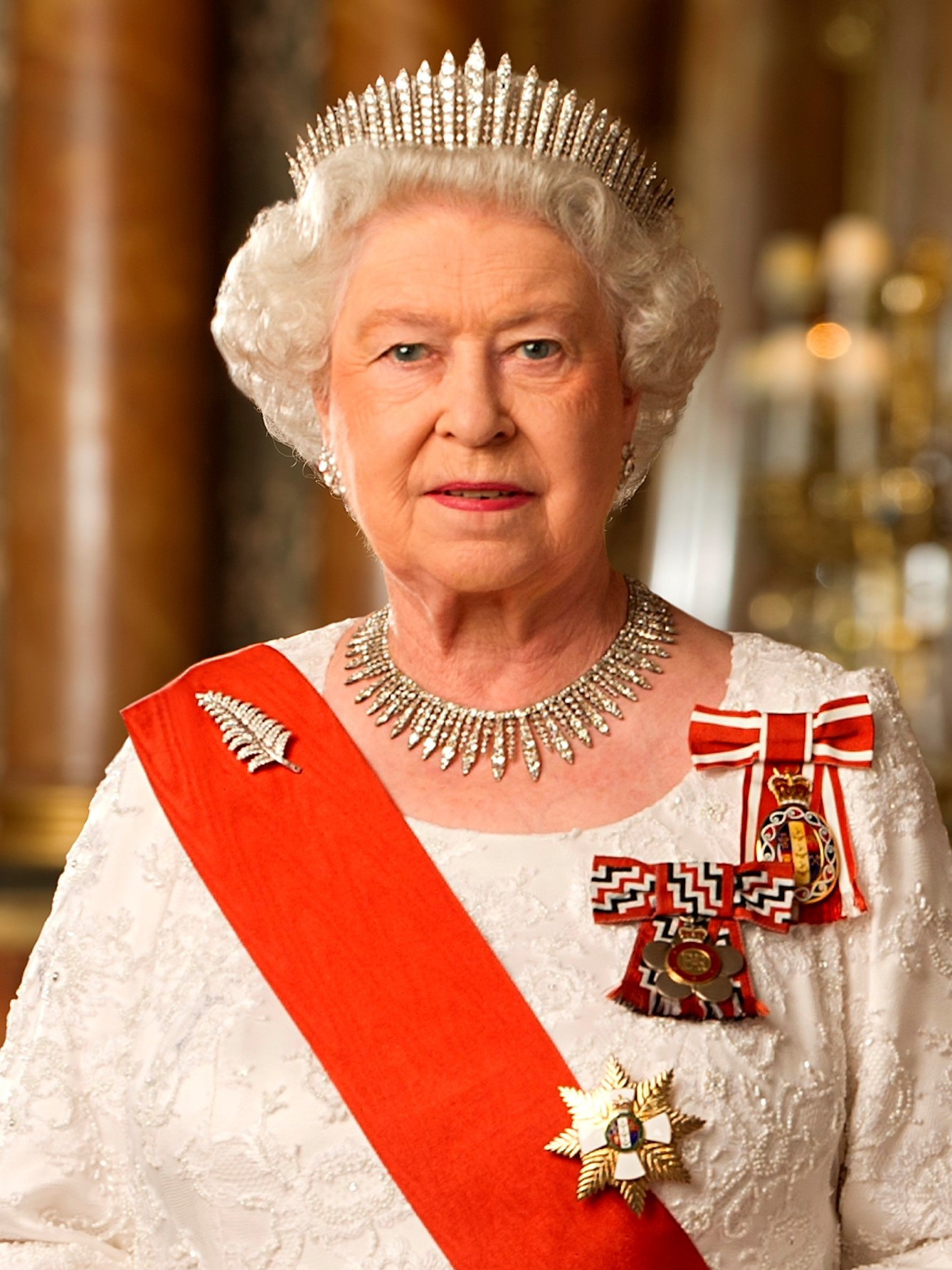 File:Queen Elizabeth II of New Zealand (cropped).jpg - Wikimedia Commons