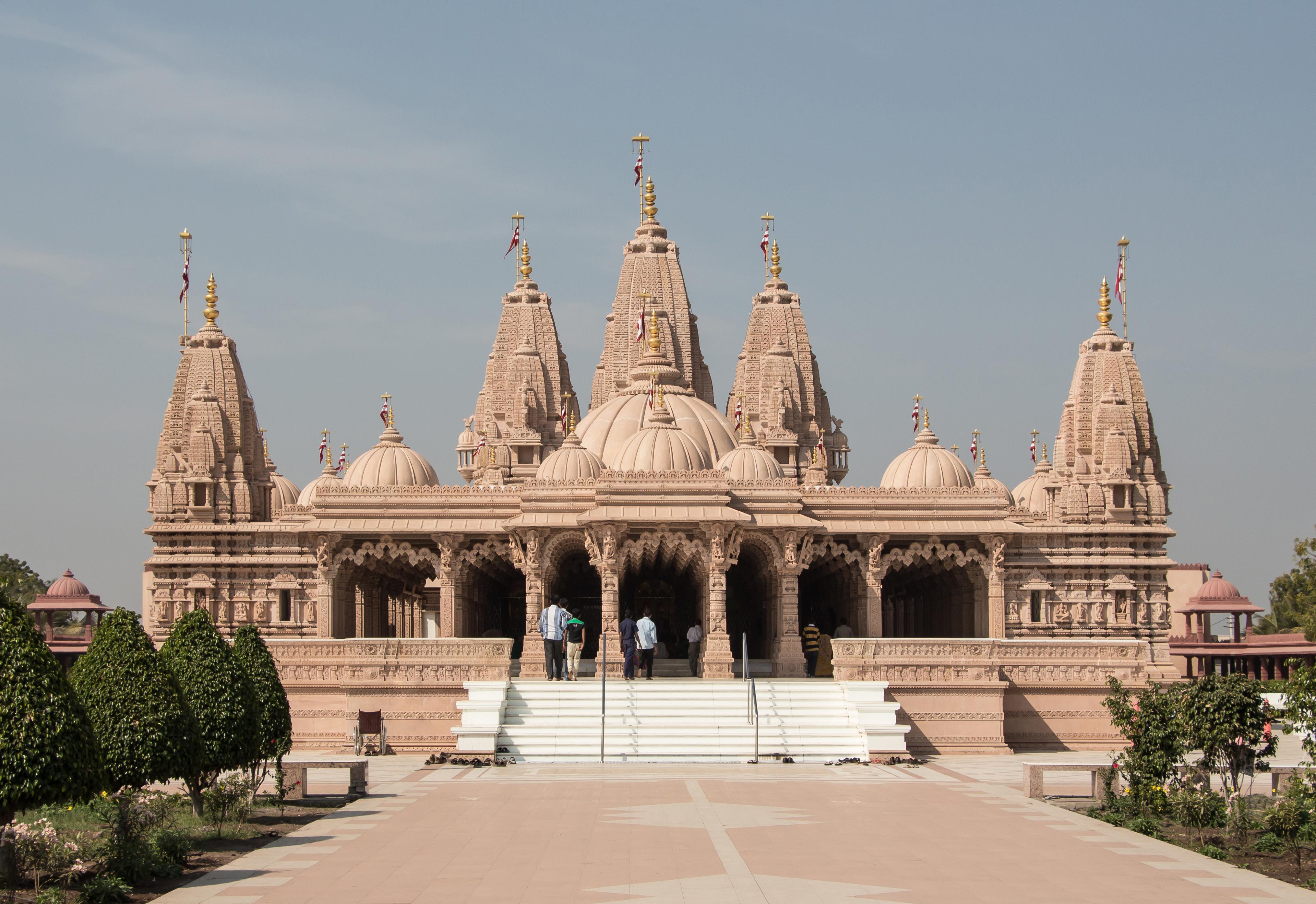 File:Shri Swaminarayan Mandir, Bhavnagar 01.jpg - Wikipedia