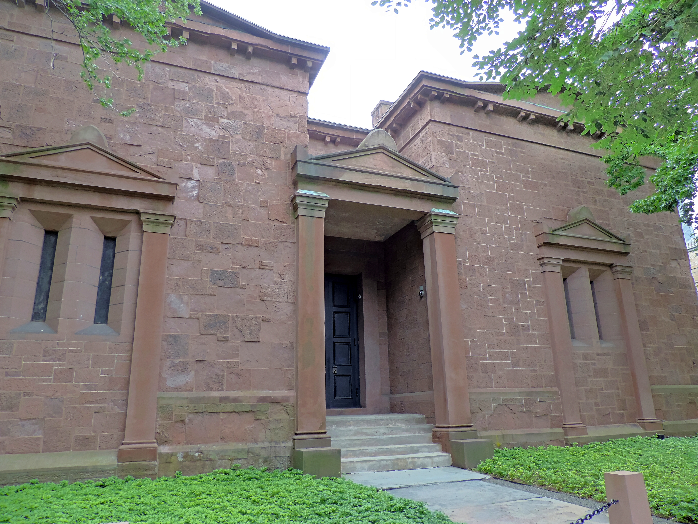 Fileskull And Bones Tomb Yale 1759g Wikimedia Commons