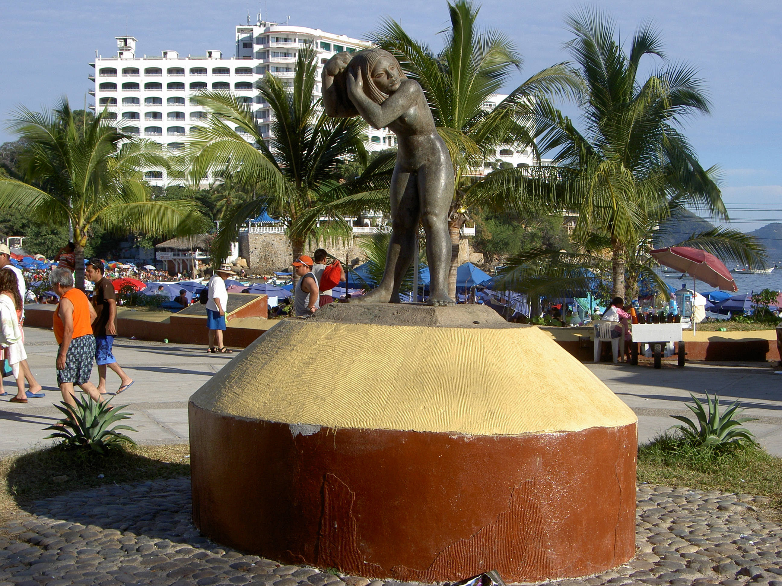 File Statue In Caleta Beach Acapulco Mexico Jpg
