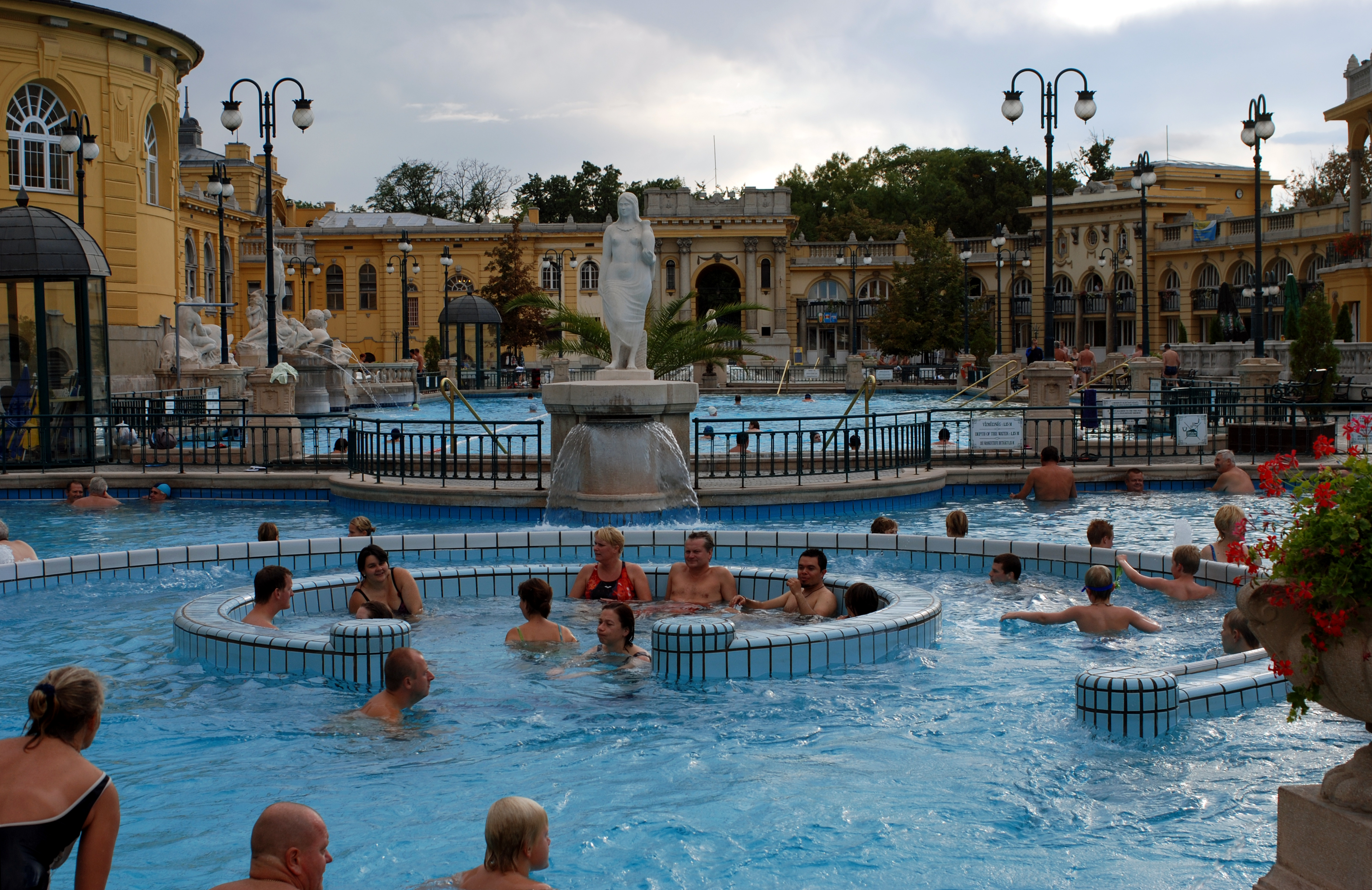 Soubor sz chenyi gy gyf rd thermal spa in budapest 011 for A list salon budapest