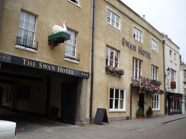 File:The Swan hotel - geograph.org.uk - 188448.jpg