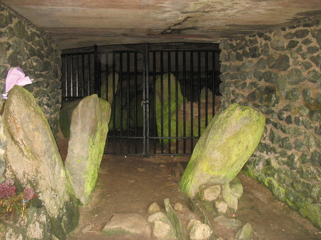 File:The entrance passage into the Barclodiad-y-Gawres Grave - geograph.org.uk - 1059412.jpg