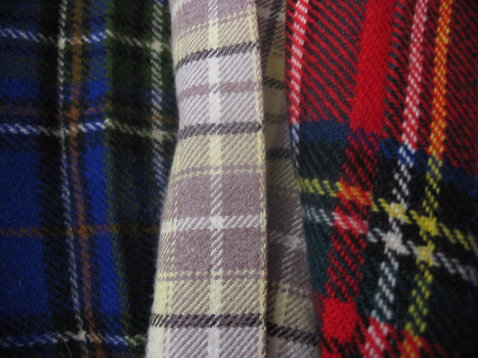 http://upload.wikimedia.org/wikipedia/commons/0/0d/Three_tartans.jpg