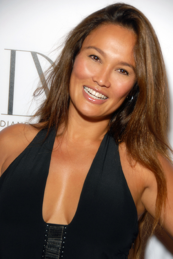 The 50-year old daughter of father Alexander Janairo and mother Audrey Duhinio Janairo, 173 cm tall Tia Carrere in 2017 photo