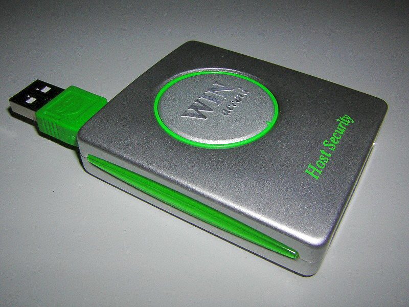File:USB Stick Win Accord 2GB Microdrive.JPG