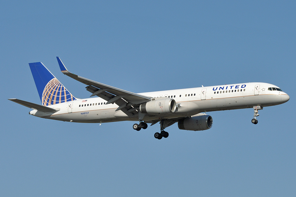 File United Airlines Boeing 757 200 N48127 Ams 2011 3 27