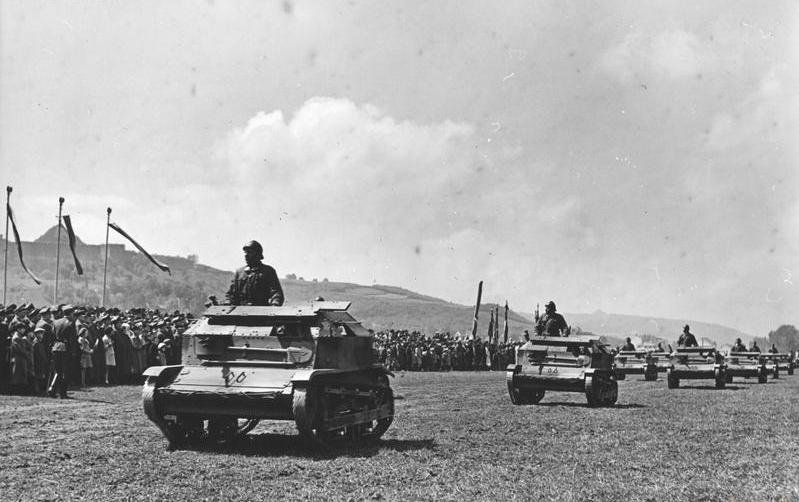 TK-3 tankettes