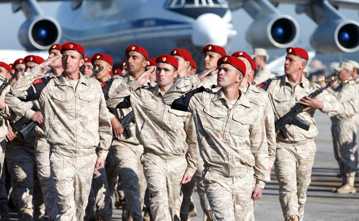Vladimir Putin in Khmeimim Air Base in Syria (2017-12-11) 10.jpg