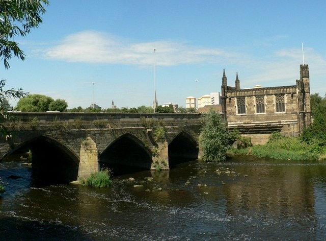 Wakefield Bridge and the Chantry Chapel - geograph.org.uk - 281864