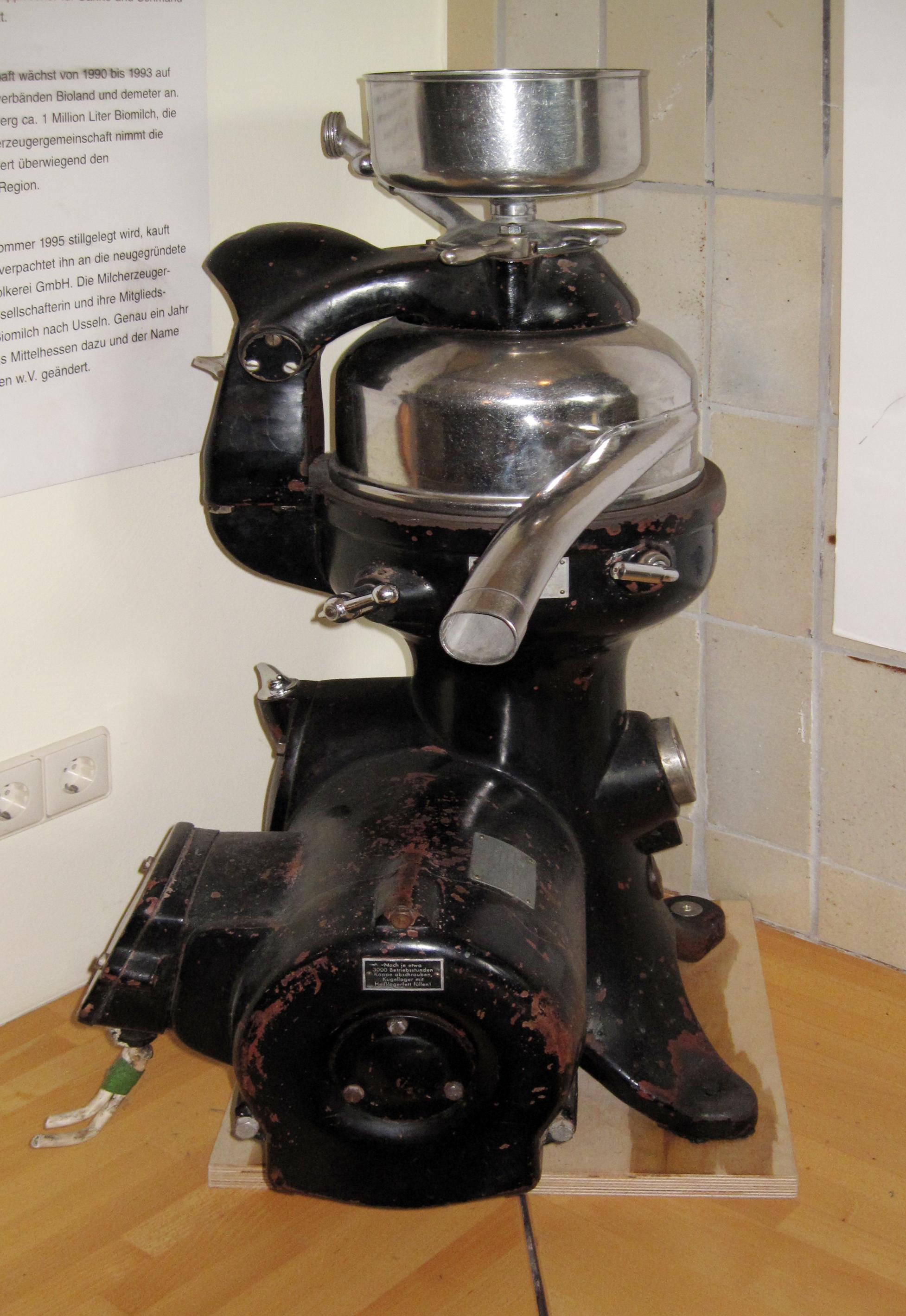 Datei Willingen Usseln Milchmuhseum Zentrifuge motorbetrieben