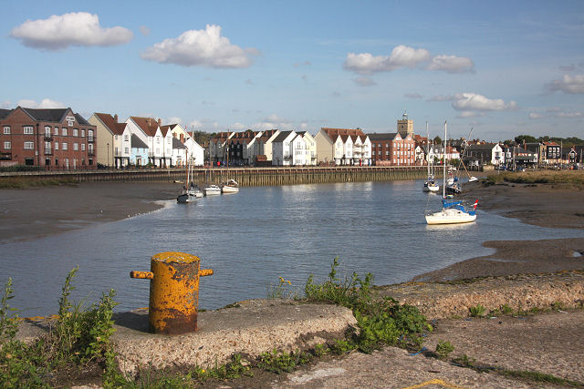 Wivenhoe and the River Colne - geograph.org.uk - 999767