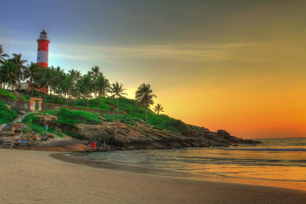 Popular Beaches in Kerala 7