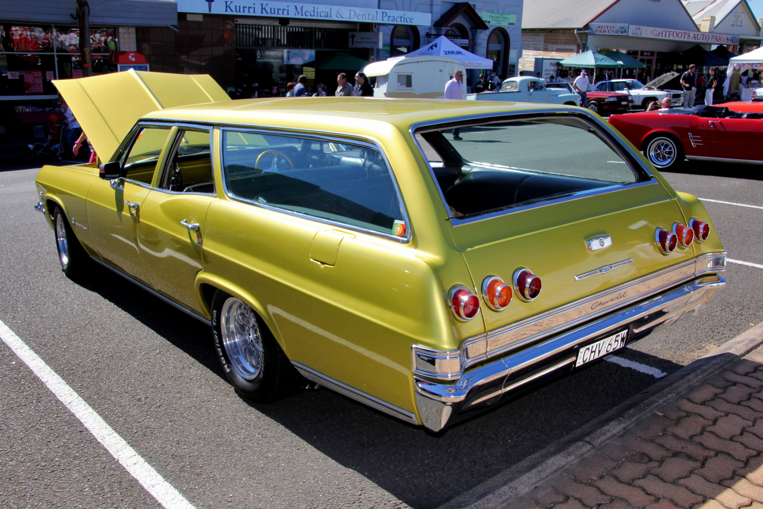 File 1965 Chevrolet Impala Station Wagon 6880366212 Jpg