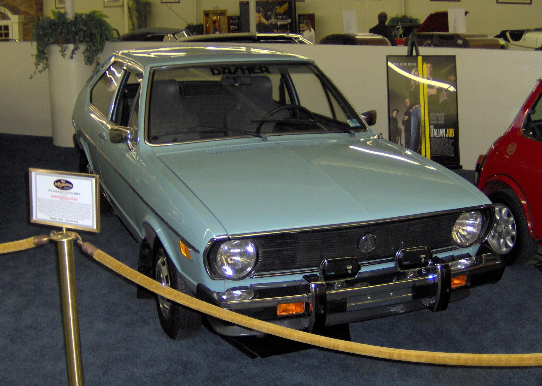 Volkswagen Las Vegas >> File:1974 Volkswagen Dasher.JPG - Wikimedia Commons