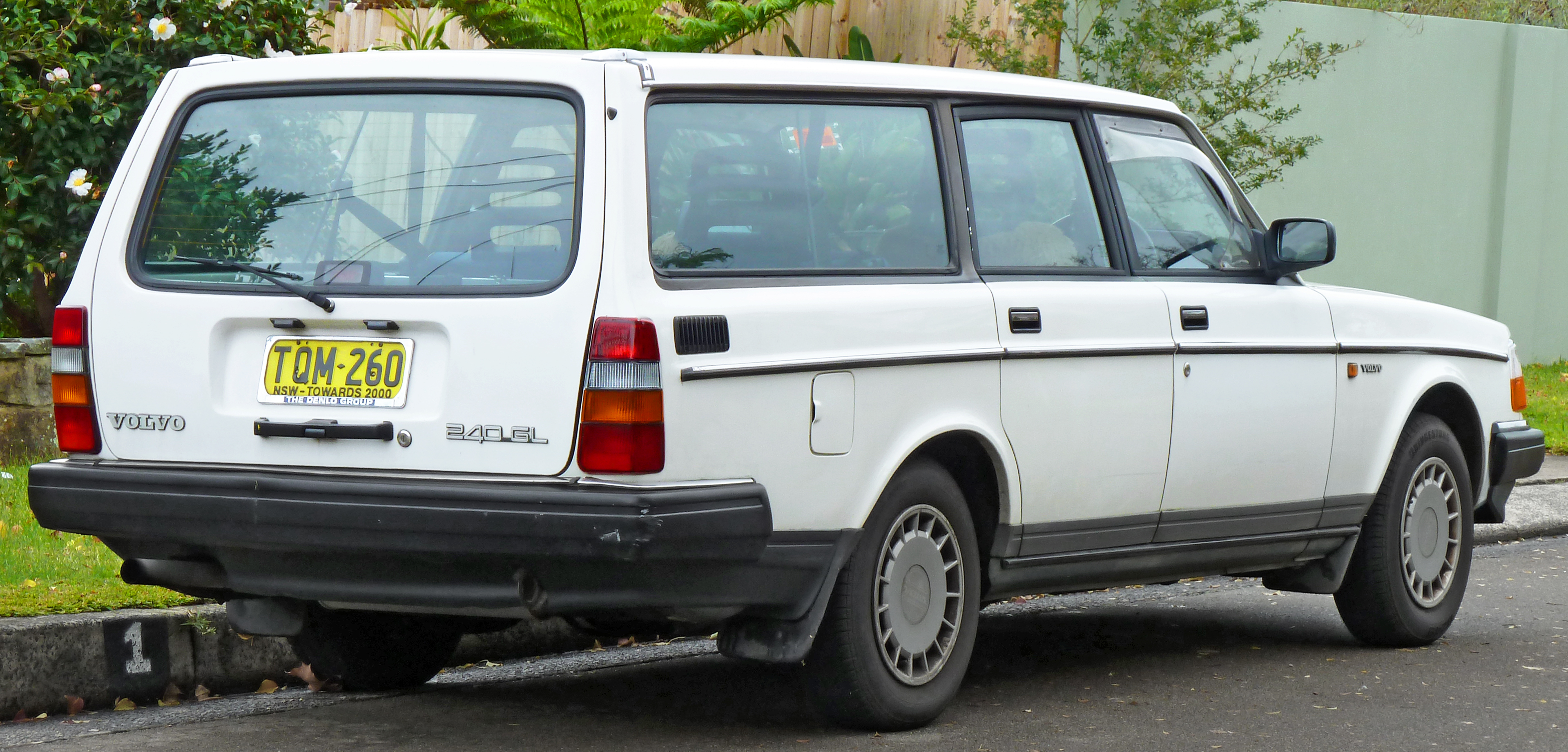 File 1988 1991 Volvo 240 Gl Station Wagon 2011 06 15 02 Jpg Wikimedia Commons