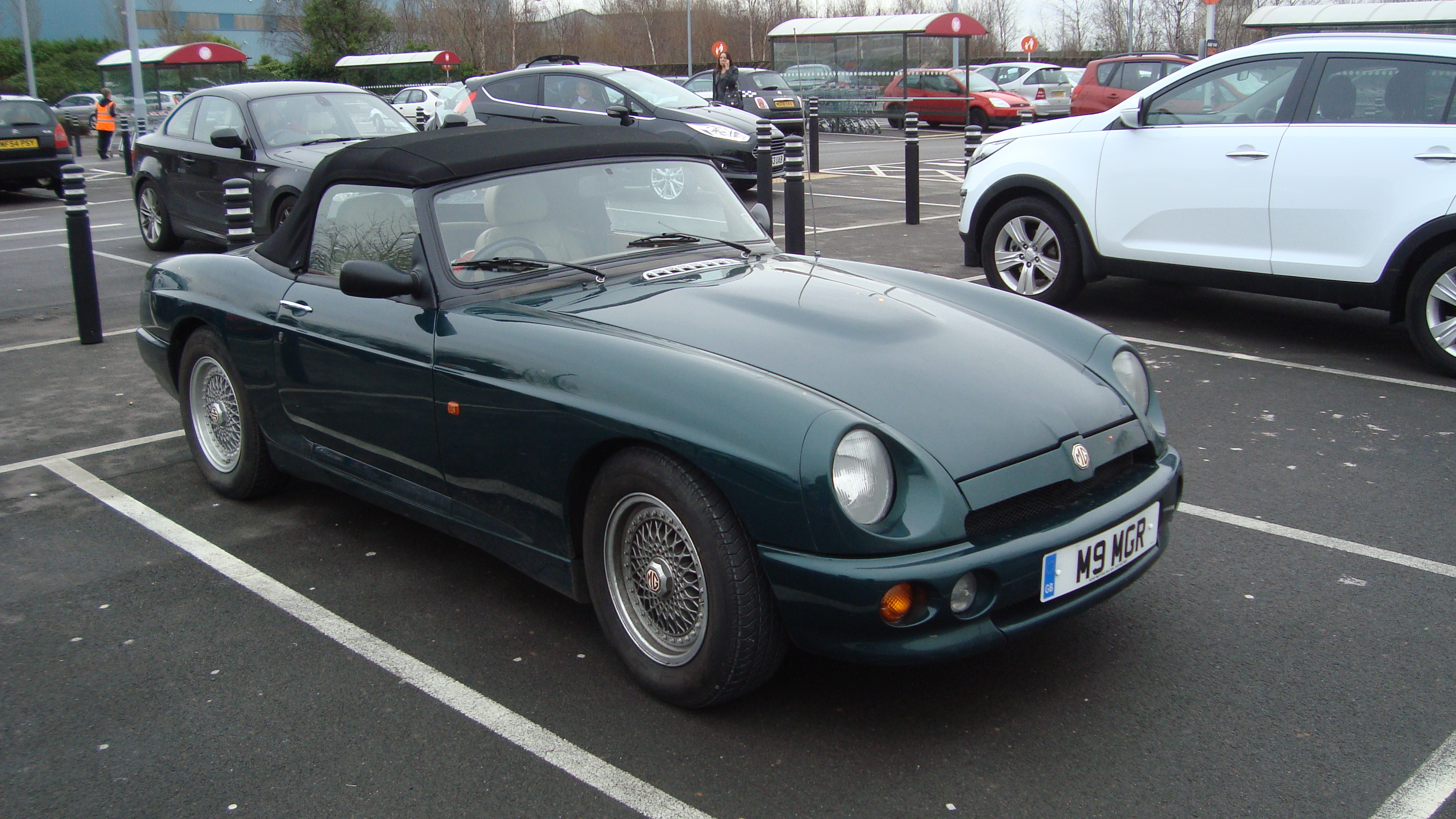 File:1994 MG RV8 (16347496056) jpg - Wikimedia Commons