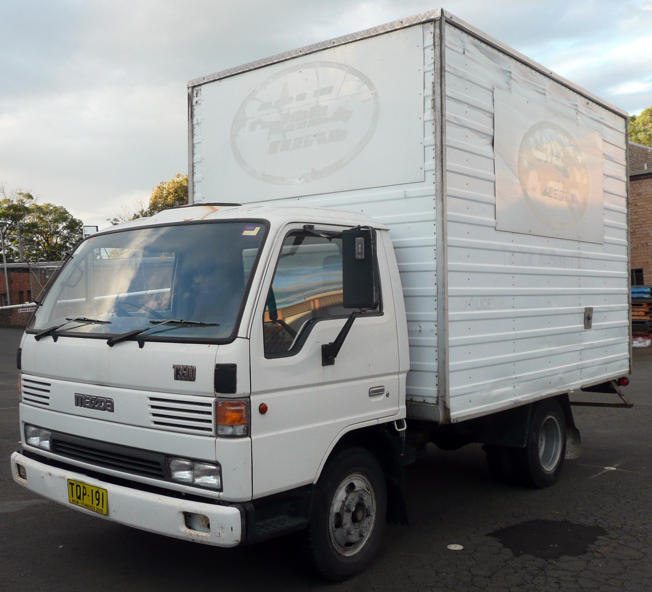 File:1995 Mazda T3500 2-door truck (2009-06-07)