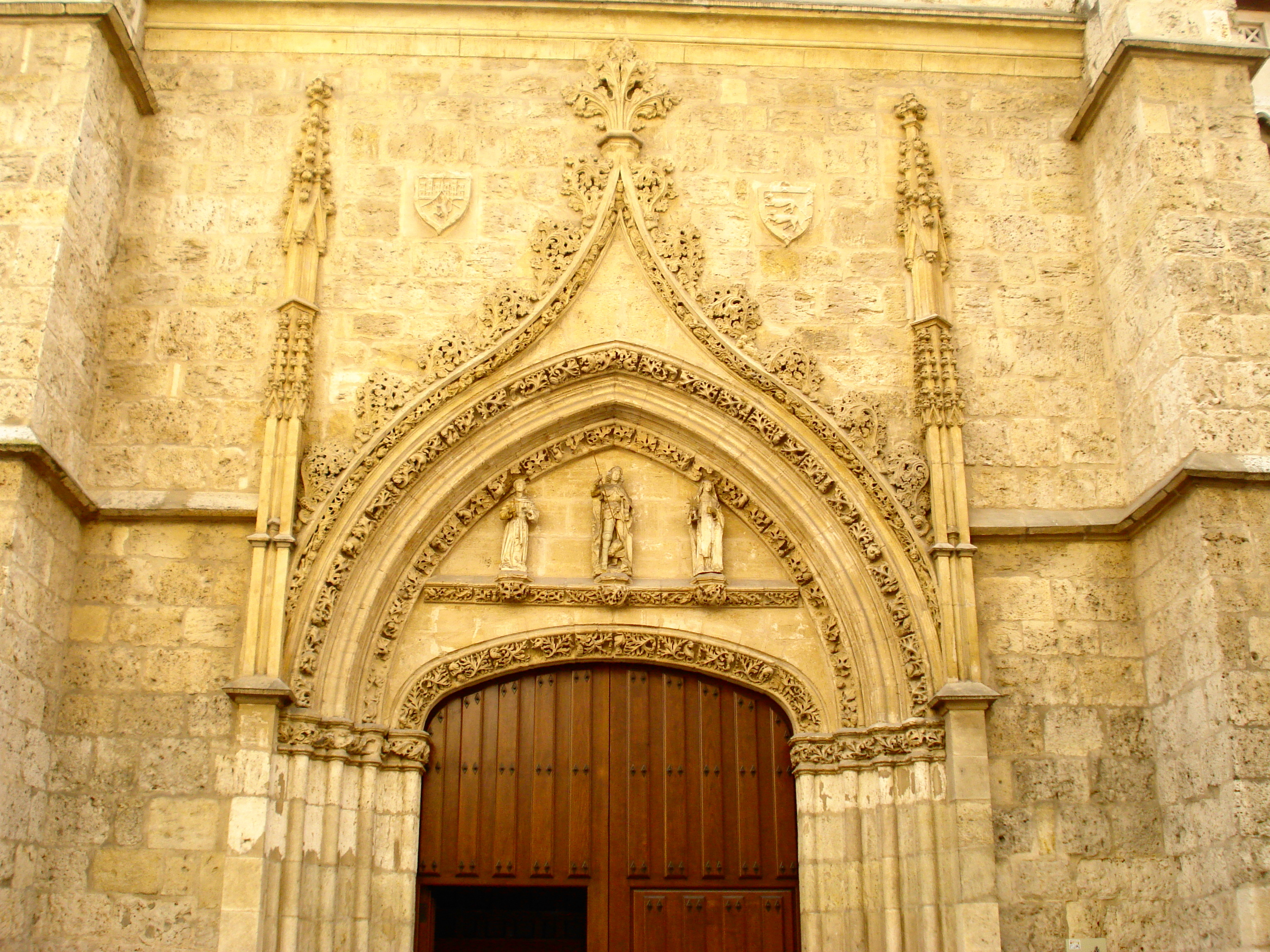 external image Arco_conopial_de_las_Claras.JPG