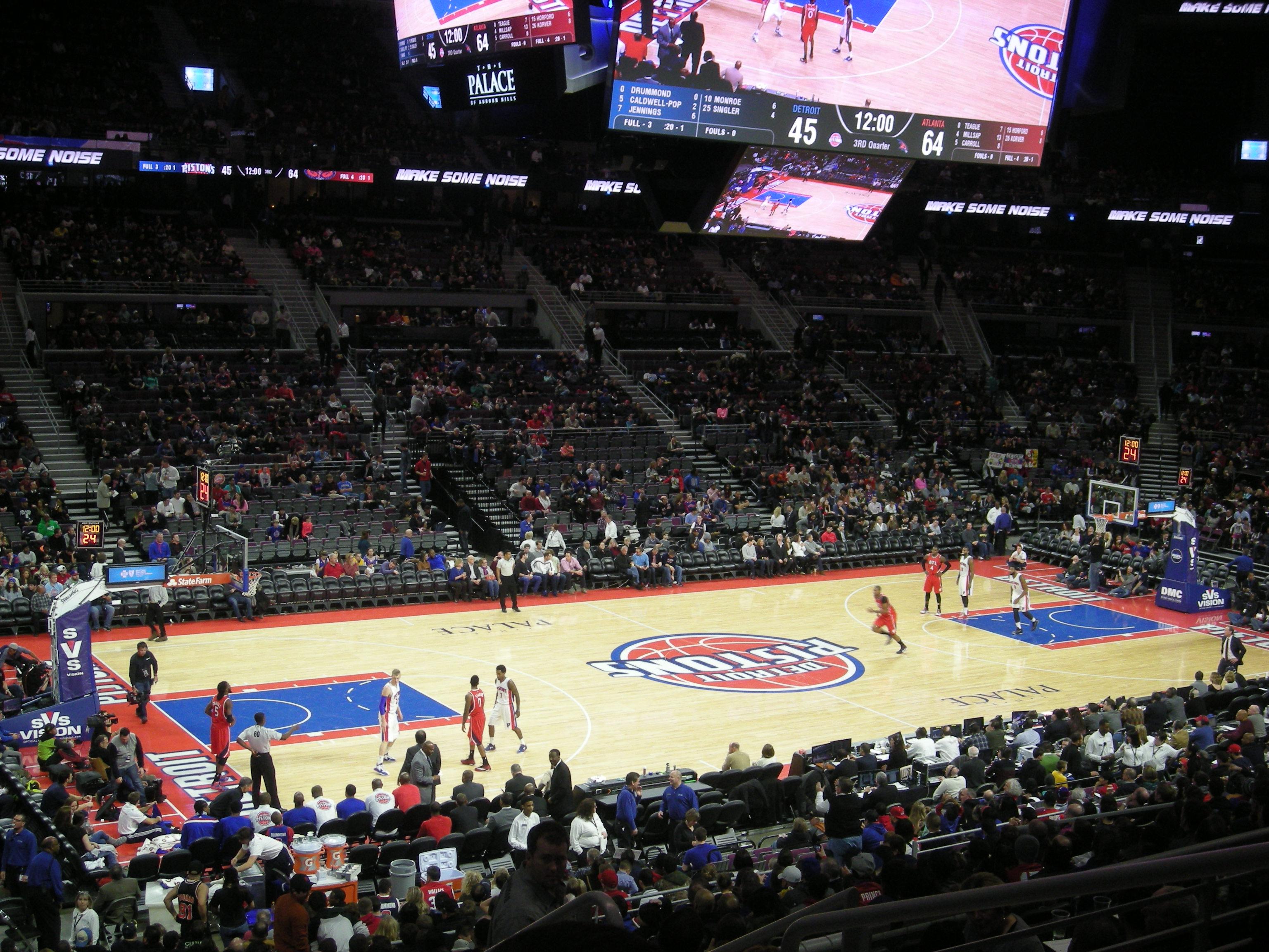 File:Atlanta Hawks vs. Detroit Pistons January 2015 08.jpg ...