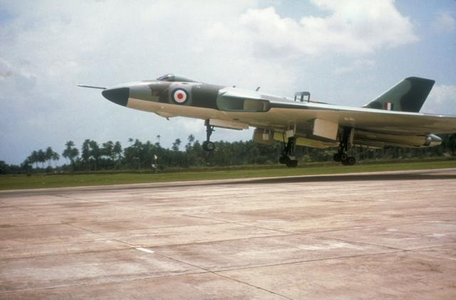 File:Avro Vulcan Malaysia.jpg