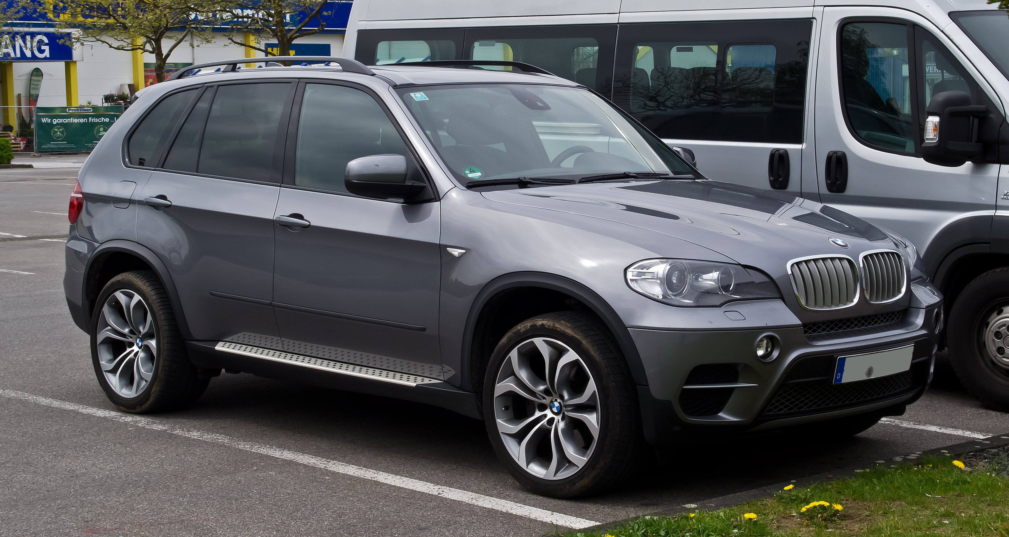 File Bmw X5 E70 Facelift Frontansicht 1 Mai 2012