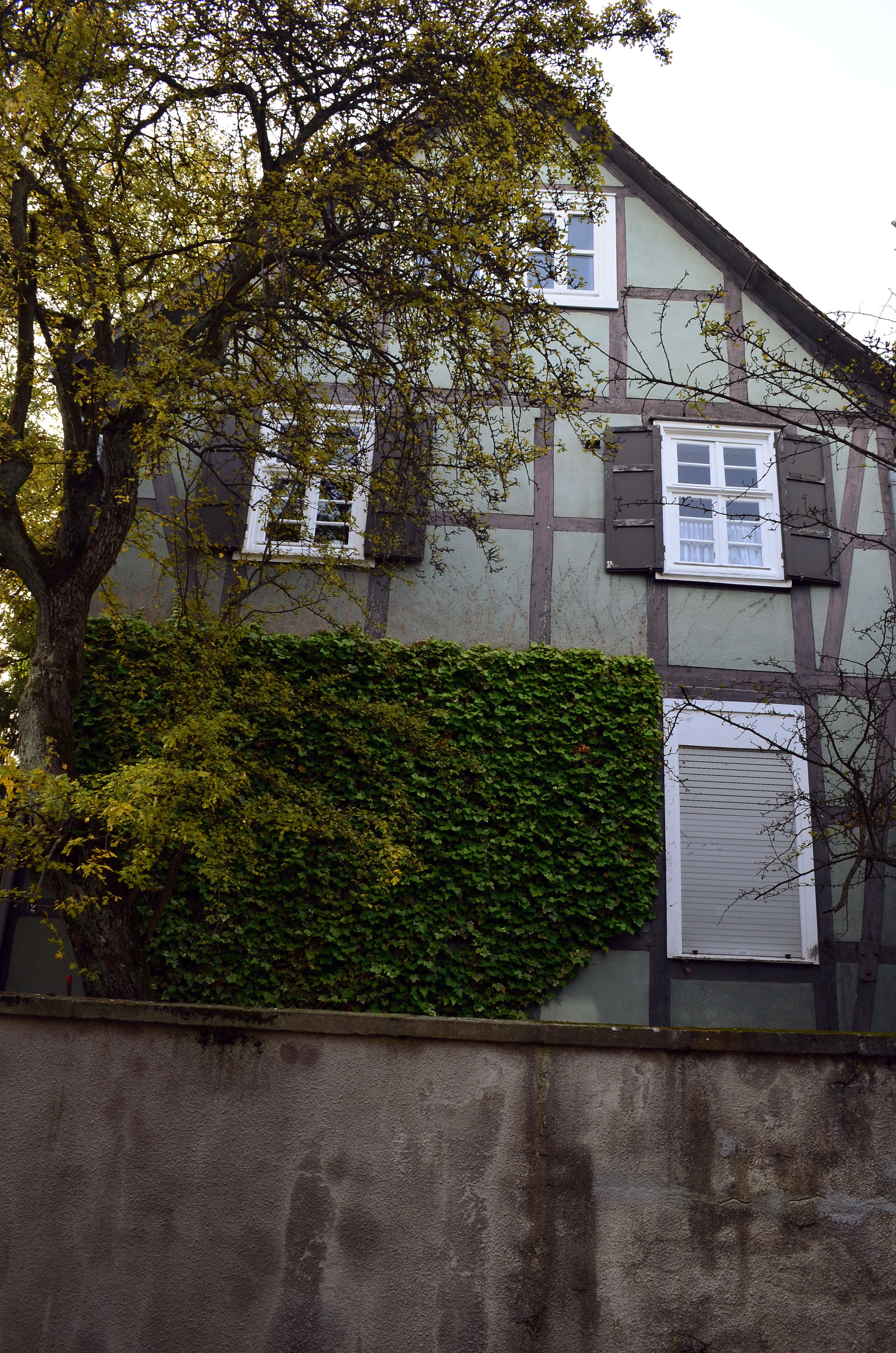 File:Brilon-Querstraße 2-Giebelseite-2012-10-19-B.jpg - Wikimedia ...