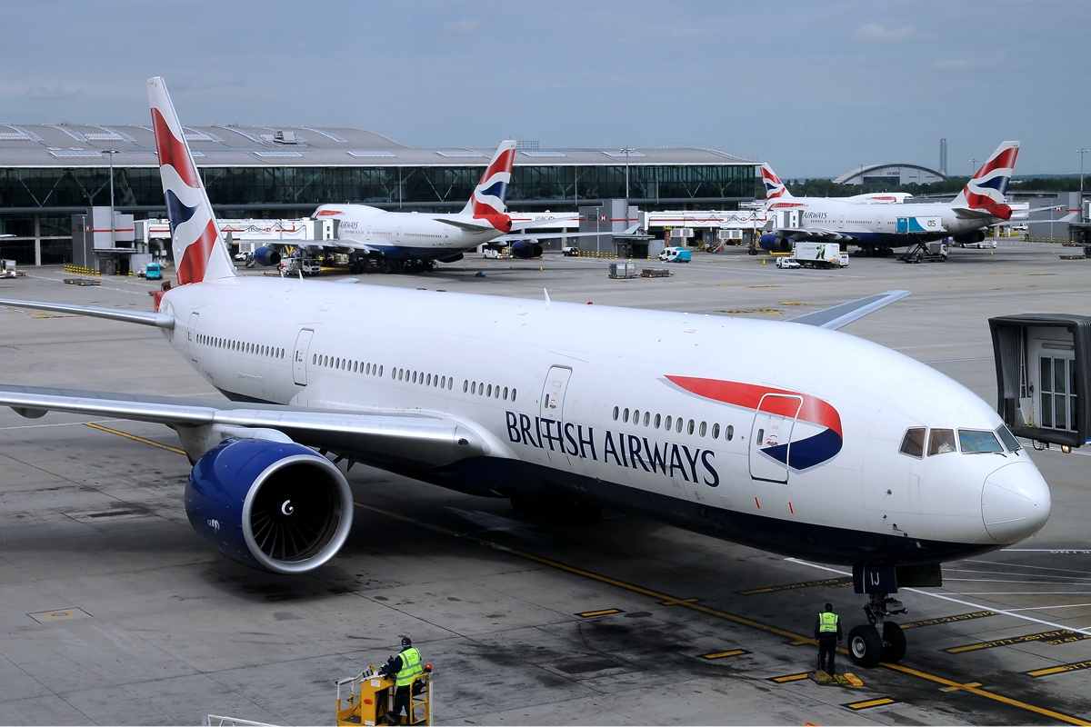File british airways boeing 777 200er iwelumo for Interieur boeing 777