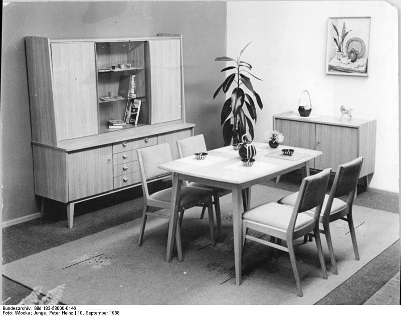 File:Bundesarchiv Bild 183-58000-0146, Wohnzimmer, VEB