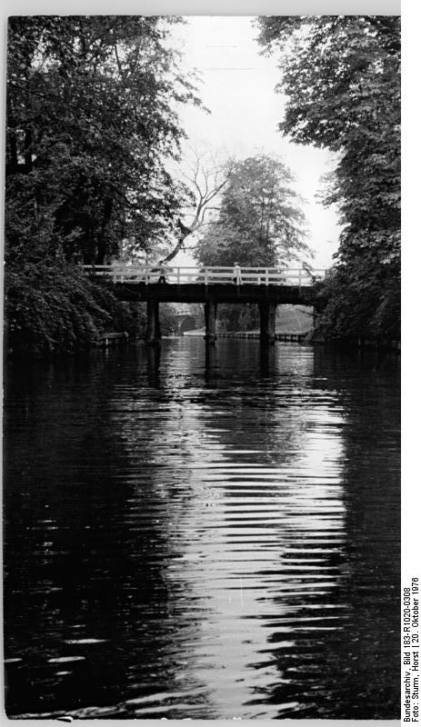 historische Aufnahme Köpenick, Schlossinsel, Brücke - Quelle: Wikimedia