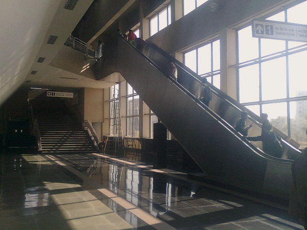 Metro Station Howlingpixel