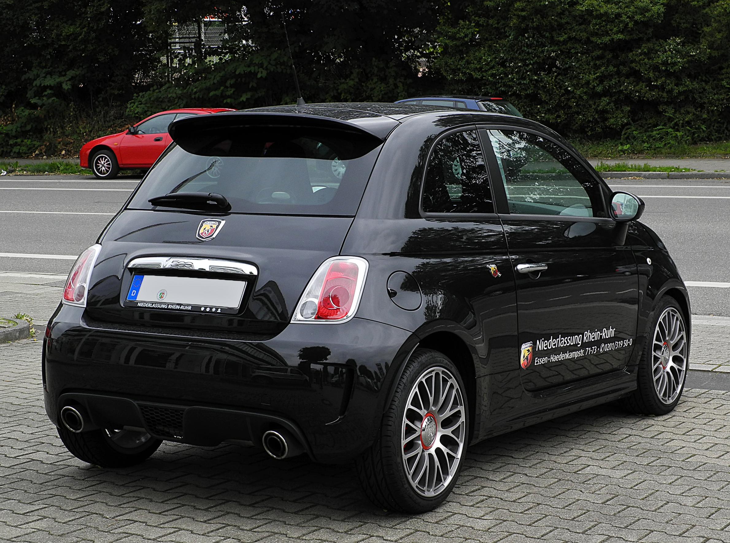 Datei Fiat 500 Abarth Heckansicht 3 Juli 2011 Essen