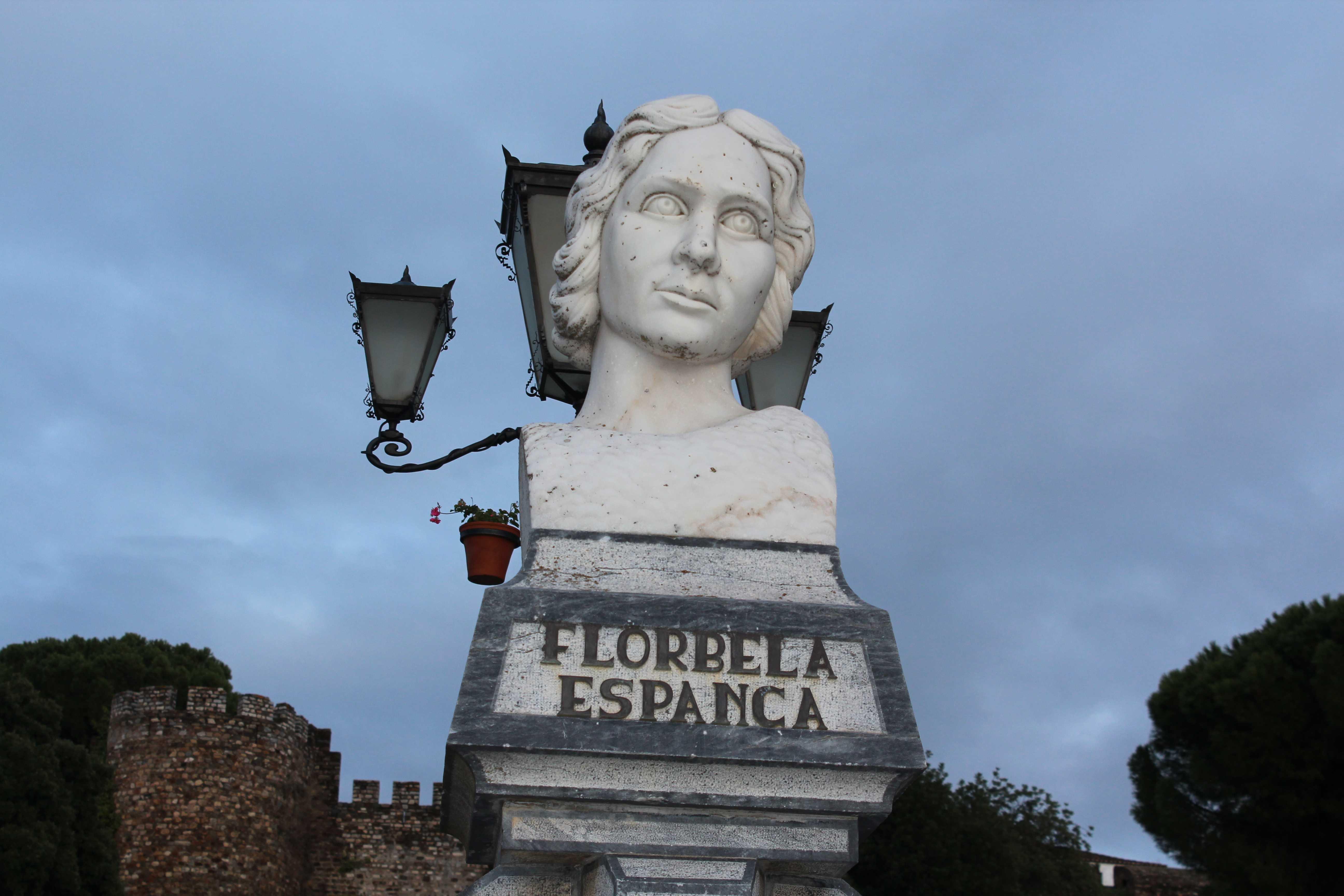 Busto de Florbel Espanca en Vila Viçosa