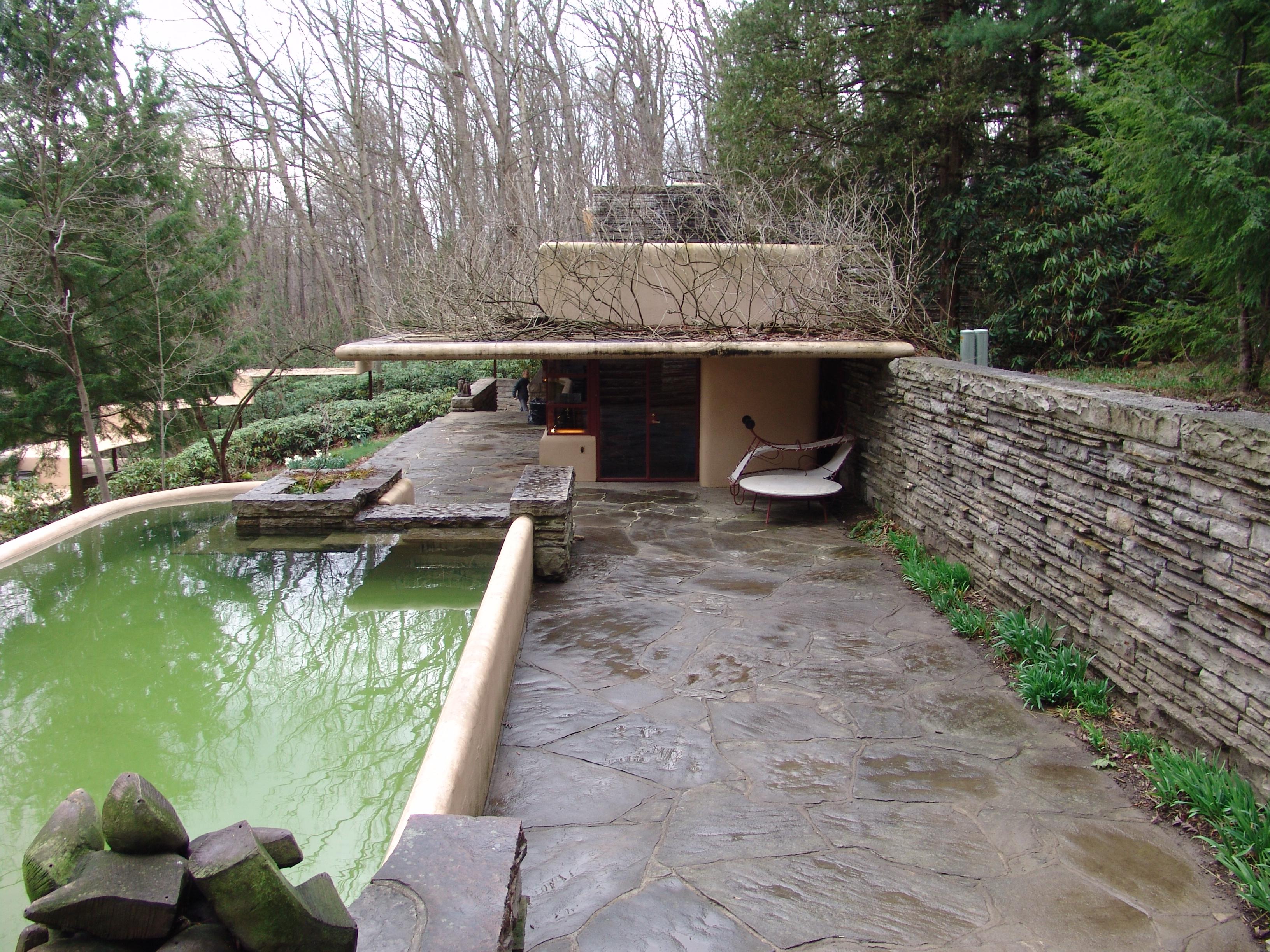 File frank lloyd wright fallingwater exterior 14 jpg - La maison sur la cascade ...