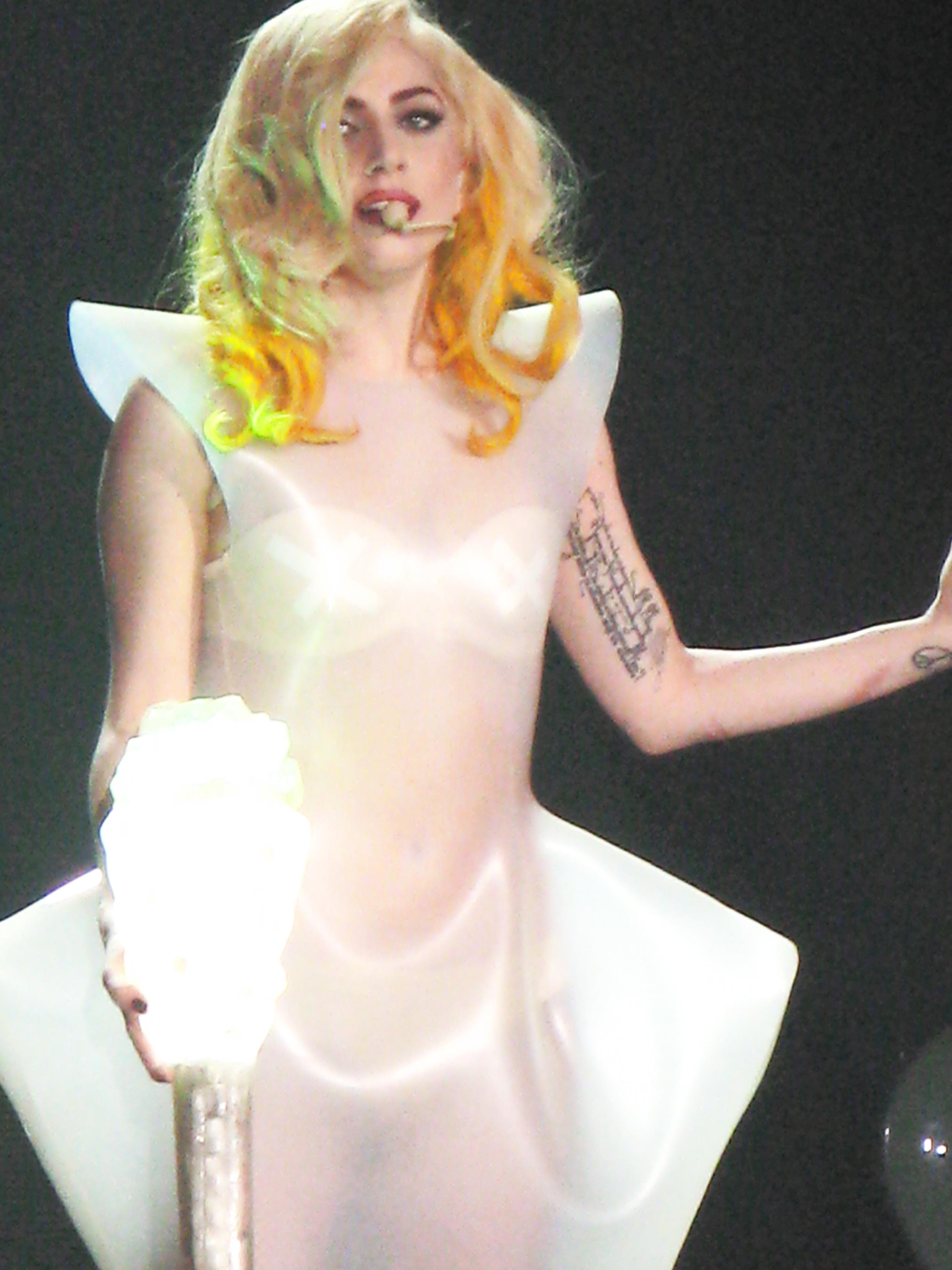 Gaga-monster-ball-uk-lovegame.jpg