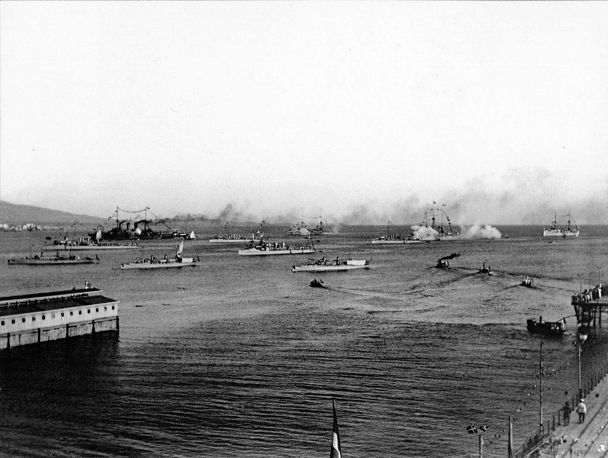 Greek_warships_1912-10-05.jpg