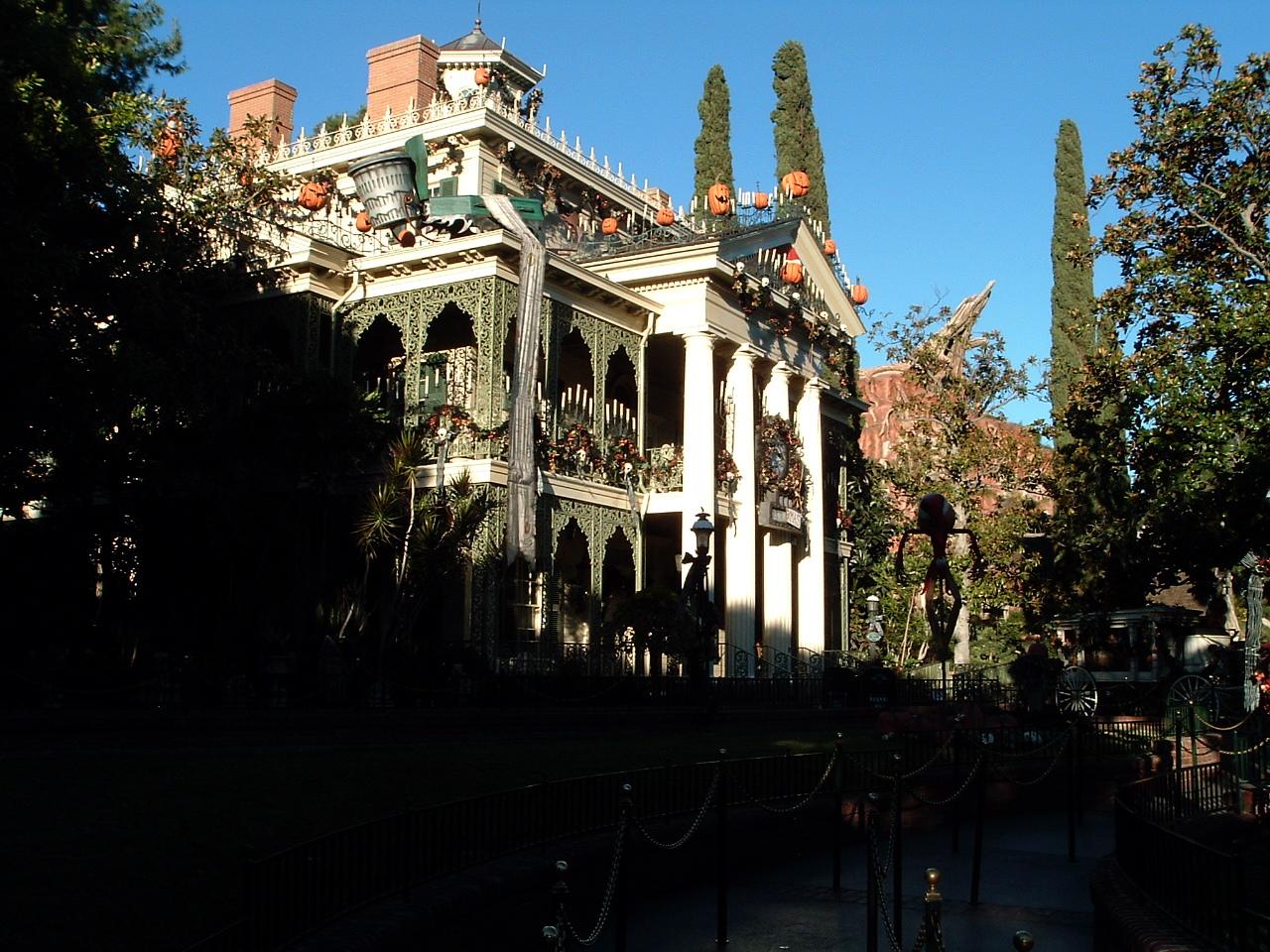 Haunted Mansion Holiday Exterior.JPG