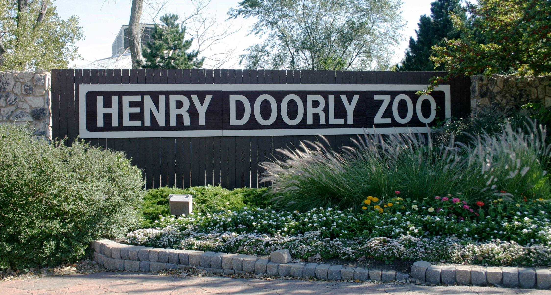 Sign for the Henry Doorly Zoo in Omaha, Nebraska