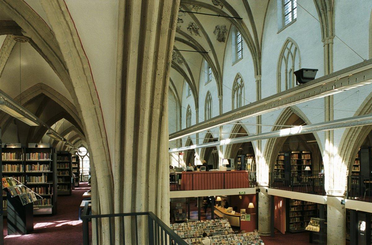 File interieur overzicht van de kerk thans bibliotheek zutphen 20420124 - Interieur bibliotheek ...