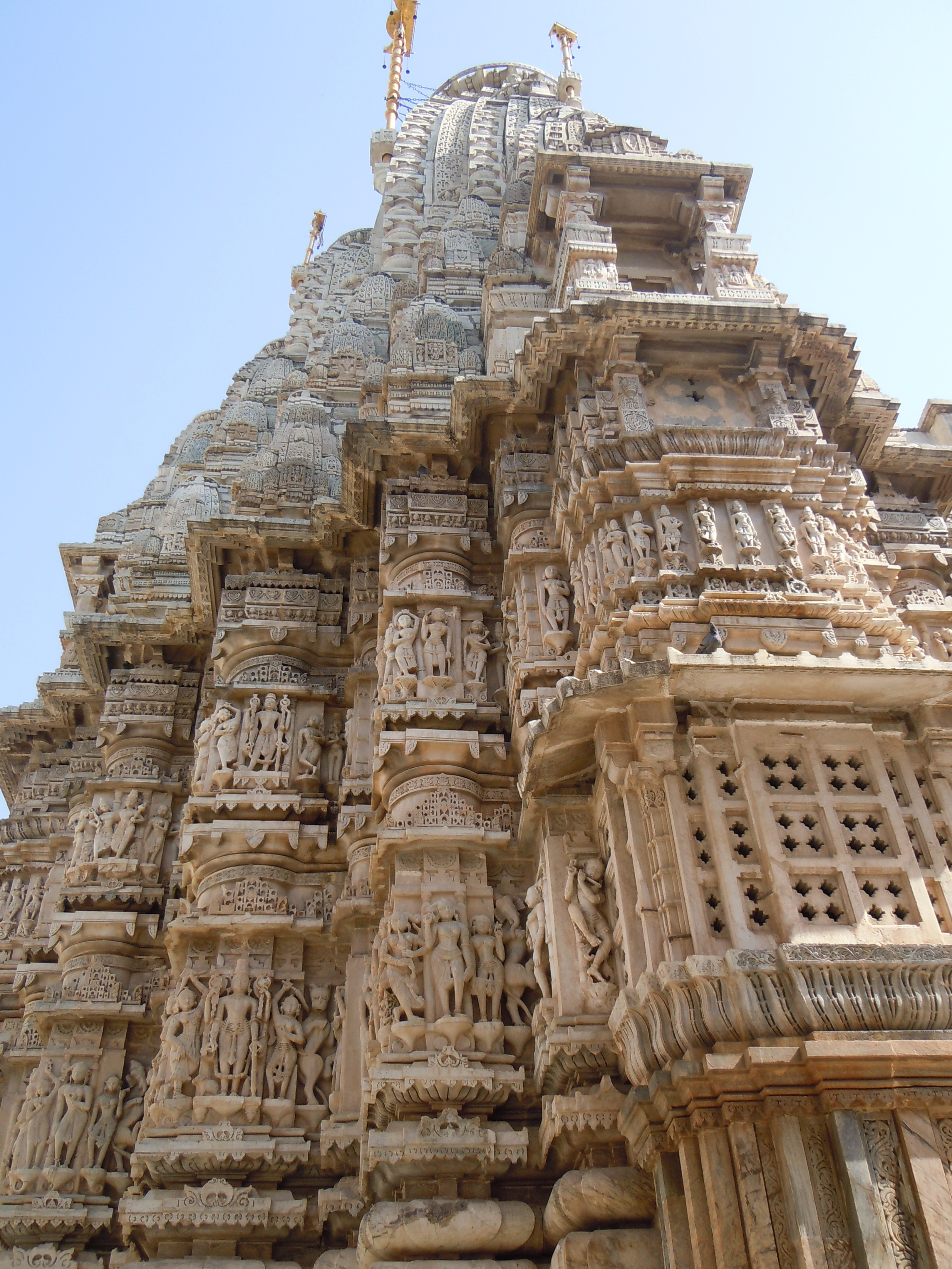 File:Jagdish Temple (Udaipur) - base du mandapa.jpg ... Jagdish Temple Udaipur