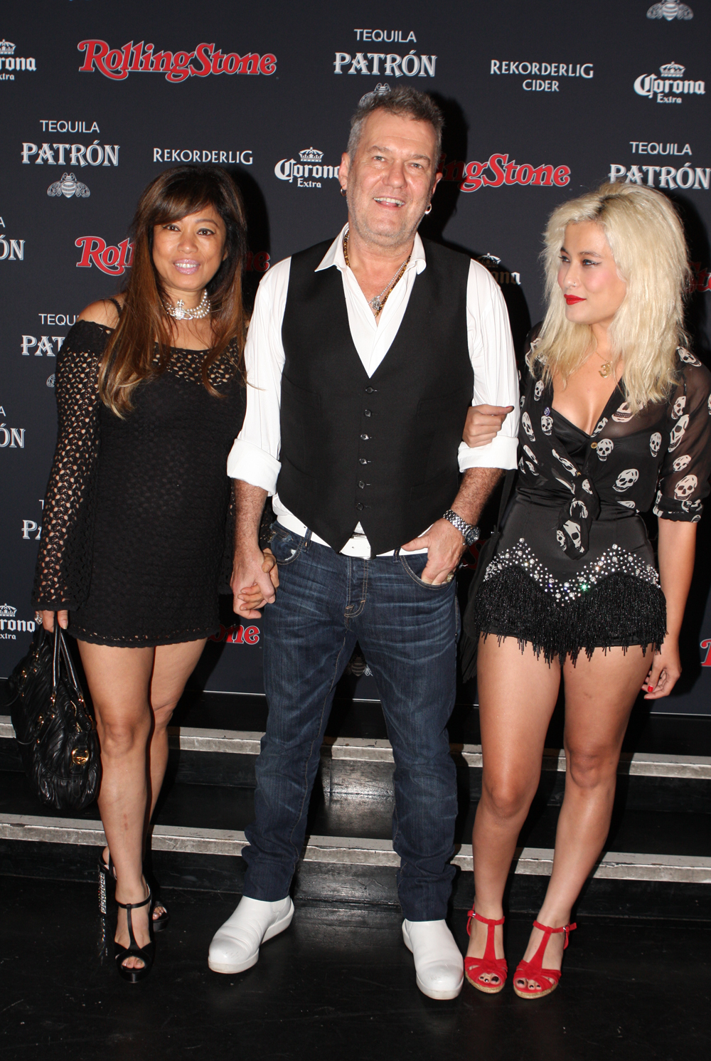 FileJimmy Barnes With His Wife Jane And Daughter Eliza Jane 2013