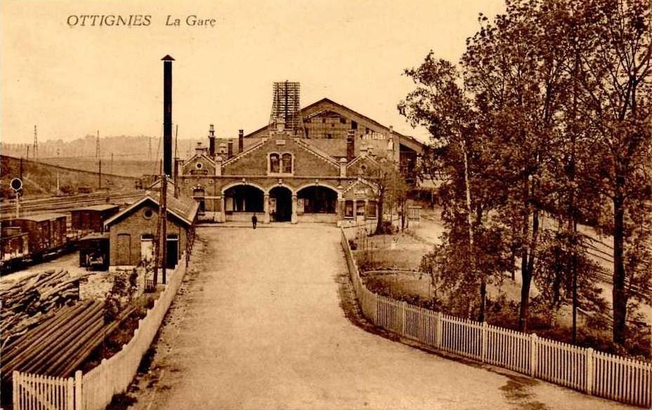 Le site de Montereau (Ligne 830) La_Gare_d'Ottignies_et-acces