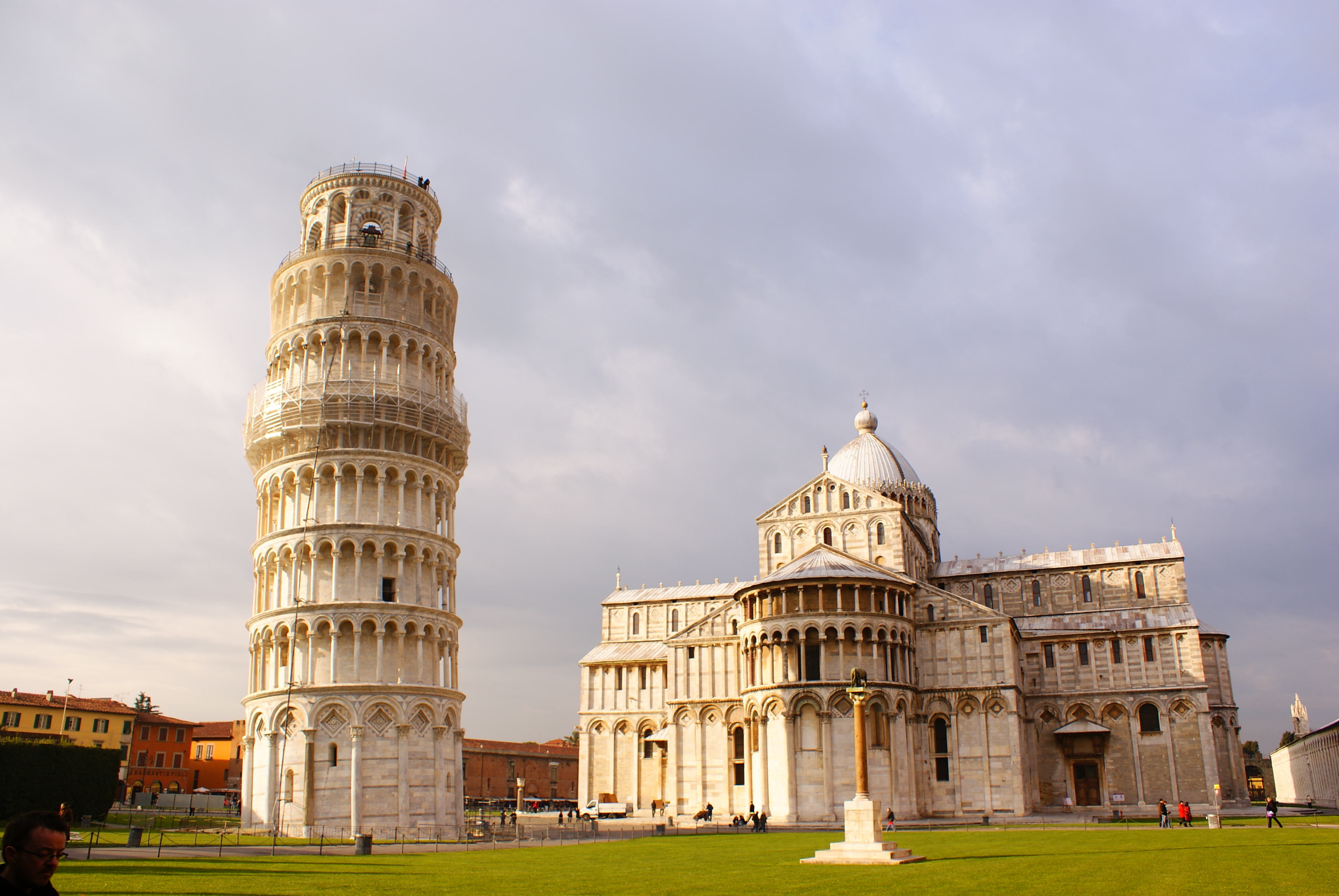 File leaning tower of pisa and the piazza miracoli