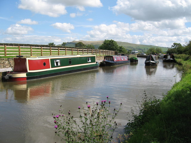 Leeds Liverpool Canal - geograph.org.uk - 519046